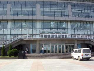 海事大学プール