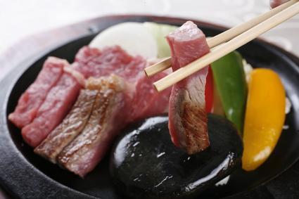 石焼きステーキ(石烧牛肉)