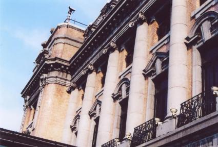 大連賓館(旧ヤマトホテル)外側2、3階。