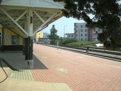 旅順駅のプラットフォーム