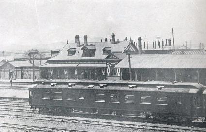 旧大連駅。プラットフォーム側からの建物