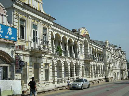 旧旅順高等公学校(旧旅順師範学堂)横からの様子。