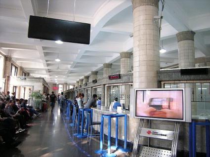 旧中央郵便局の建物内部