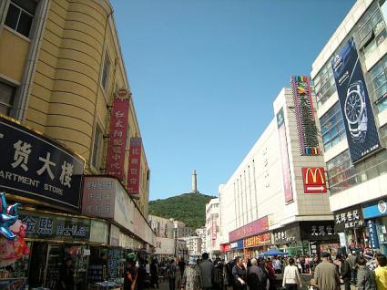 バスセンター近くの中心広場(旧市街)