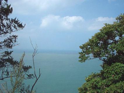 黄渤海境界線観光地区(老鉄山灯台)