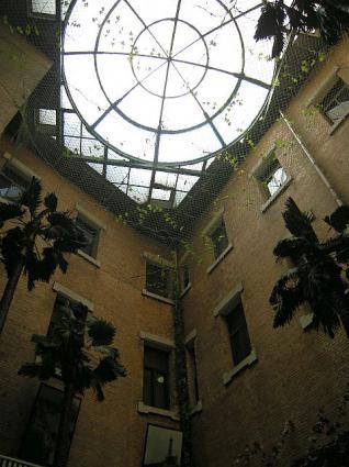 旧ヤマトホテルカフェ天井