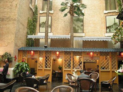 大連ホテル庭園喫茶店