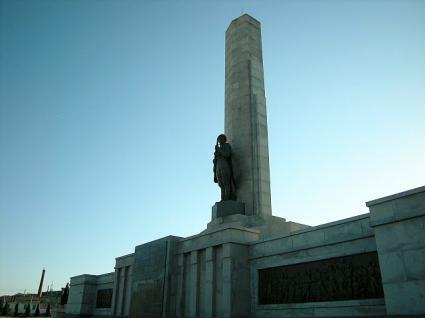 ソ軍記念塔