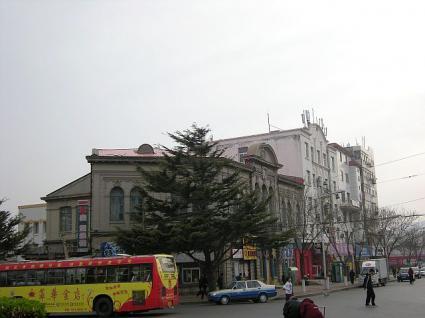 旧満蒙物産館(初代旅順博物館)