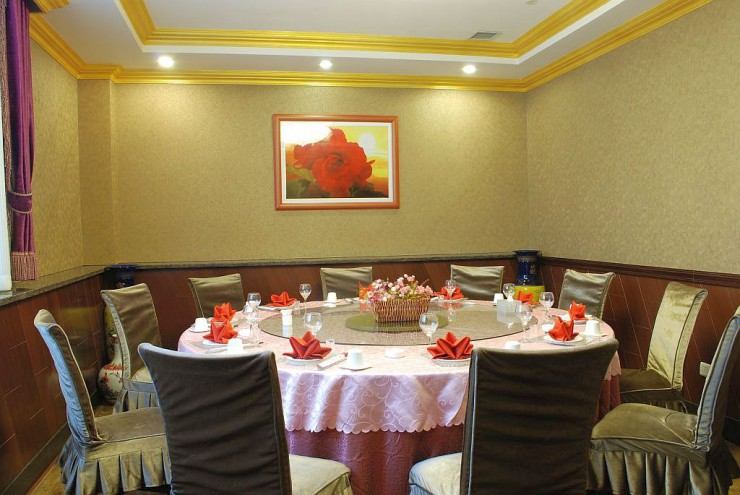中華料理風の個室