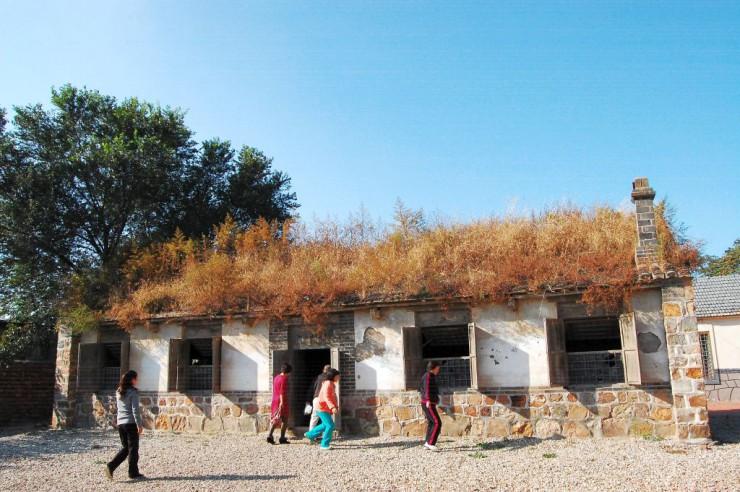 現在の水師営会見所建物全体