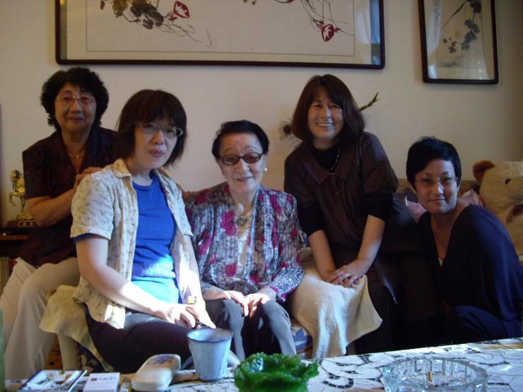 天津で会った愛新覚羅顕琦さん(中央)と(左端が盧翠雲さん)