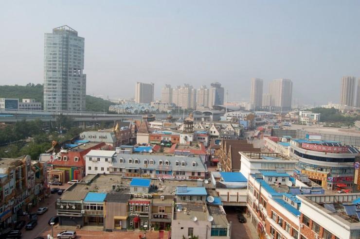 上から五彩城と珍珠広場と軌軽開発区駅