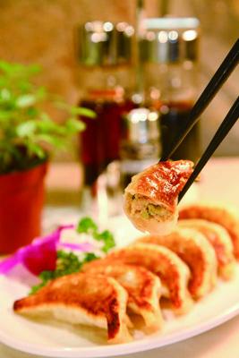 中国での普及を目指す「王将」の焼き餃子