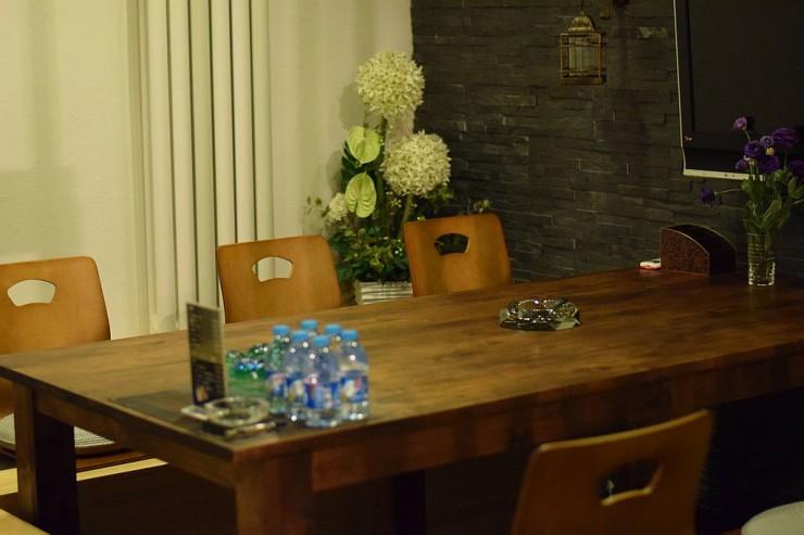 畳の和室では日本のテレビ放送もの楽しめる