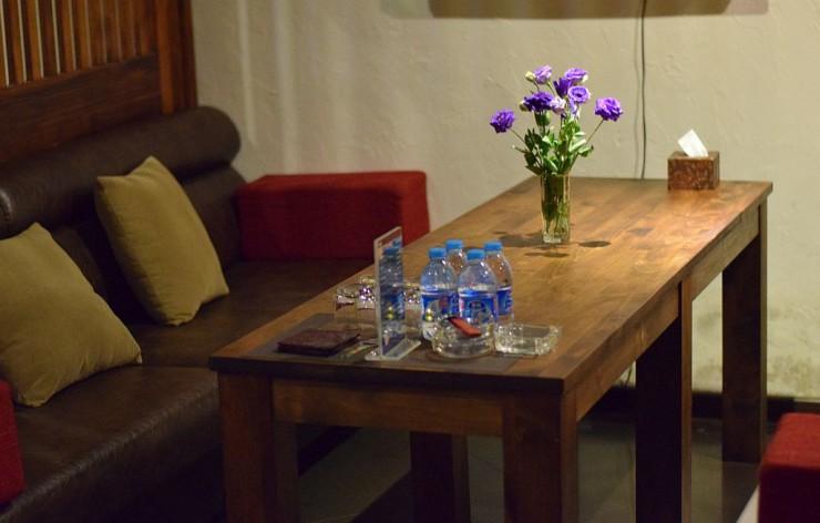 壁紙や使用建材が各テーブル席ごとに異なるので雰囲気も違う