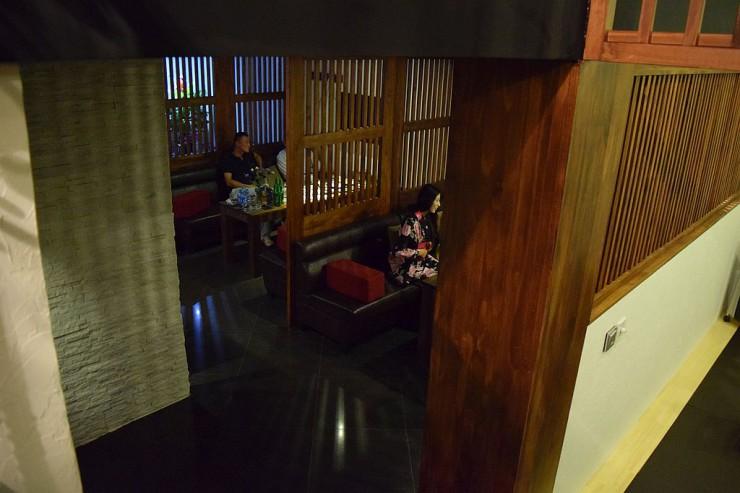 日本家屋を思わせるふく蝶店内