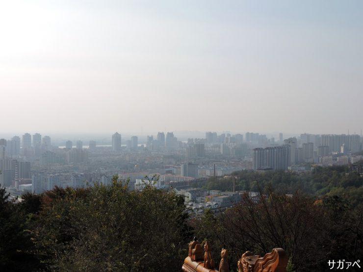 人口約90万人の丹東市中心部